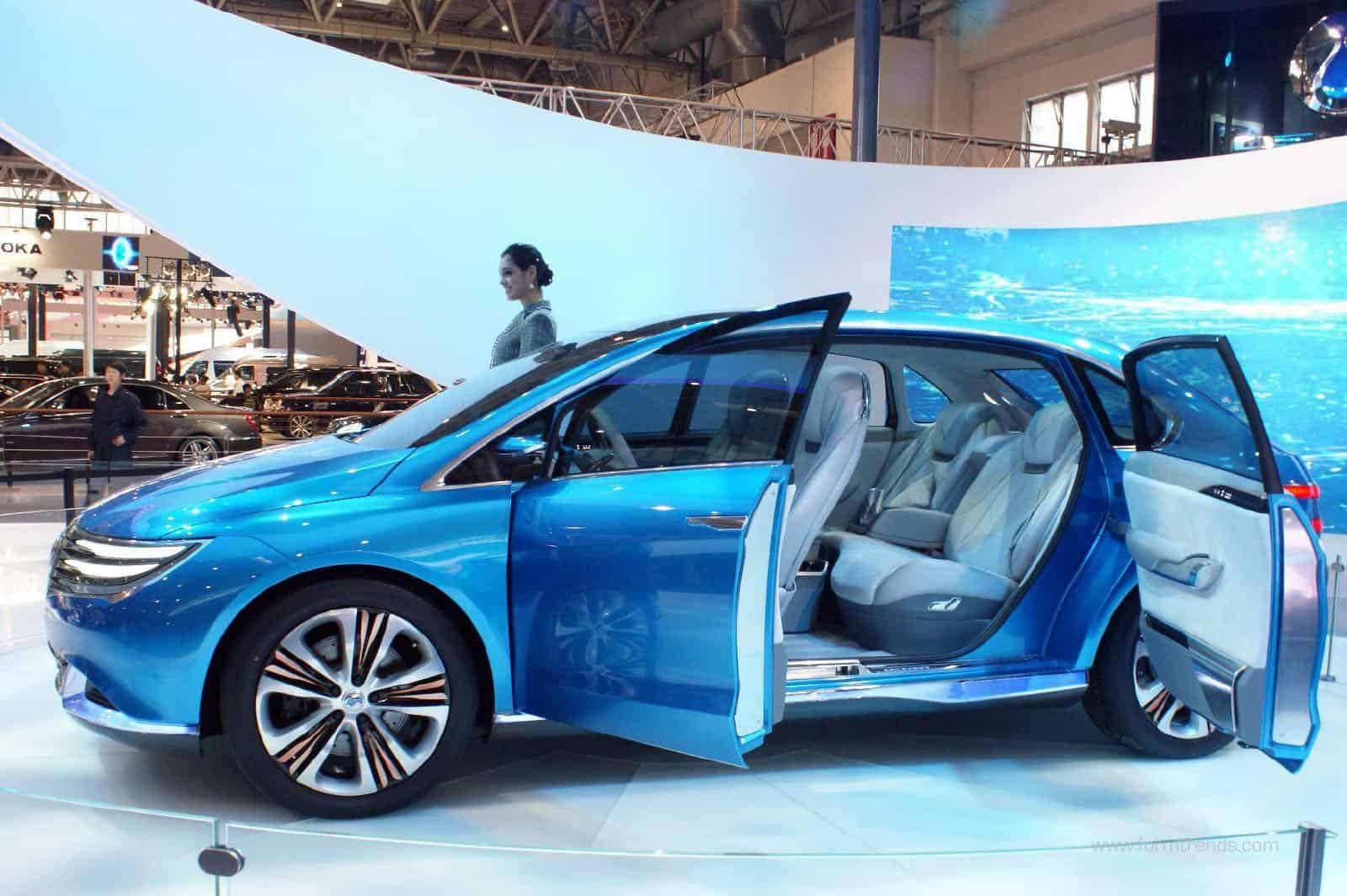 Чудо-электромобиль из Китая ... - BBC