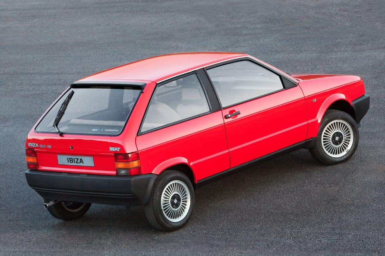 designers reflect on 30 years of the seat ibiza. Black Bedroom Furniture Sets. Home Design Ideas